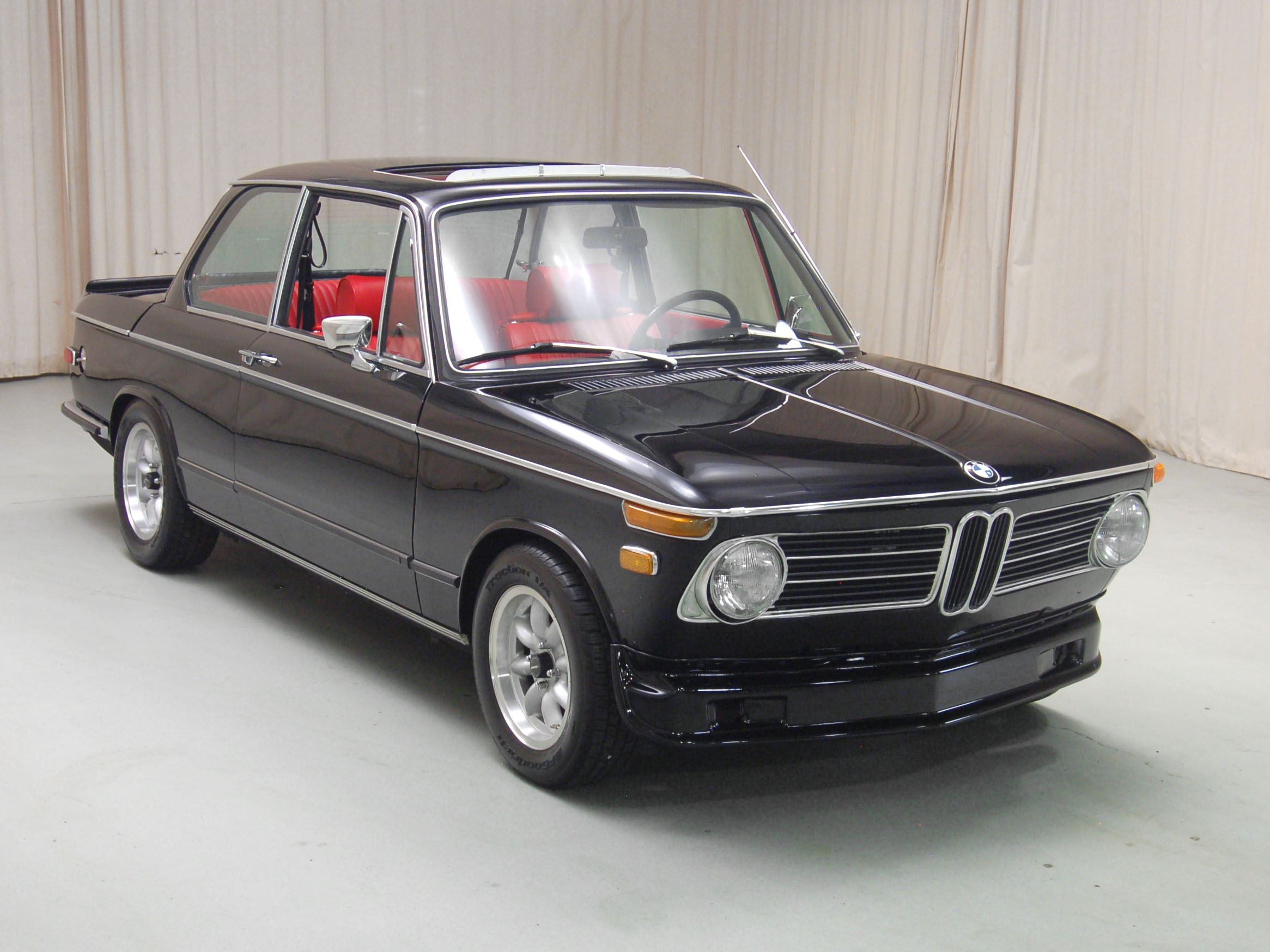 nostalgic wednesdays bmw 2002tii mayday garage. Black Bedroom Furniture Sets. Home Design Ideas